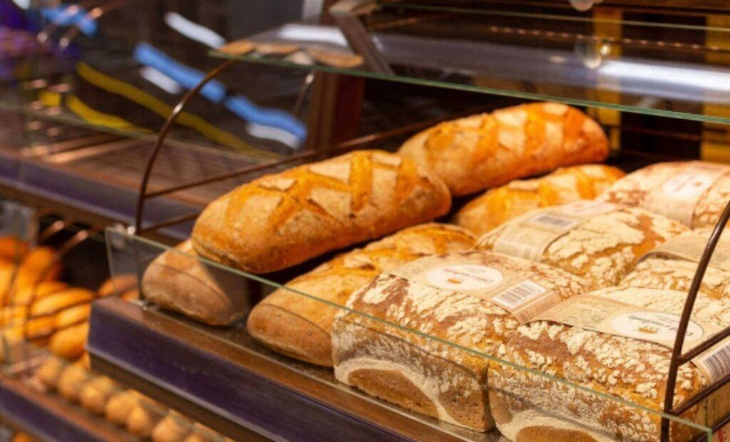 Lada z chlebami