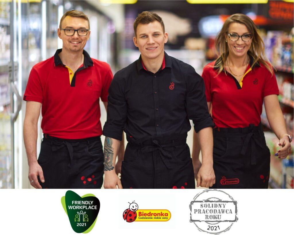 pracownicy i logo nowych nagród 2021